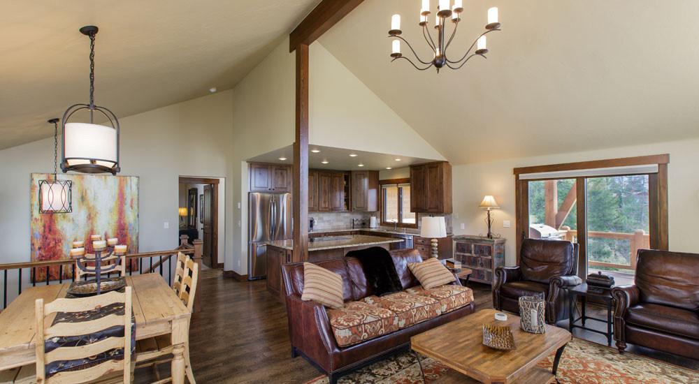 Royal Buffalo Family Room