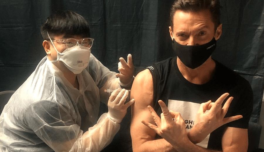Hugh-Jackman-toma-vacina