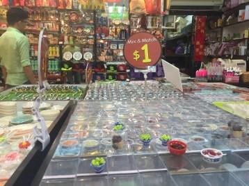 sd2-chinatown-souvenirs