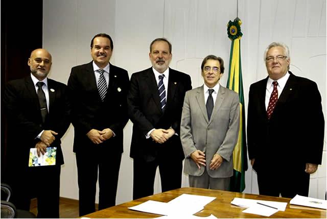 SINDUSGESSO e Armando Monteiro defendem pauta do setor gesseiro de Pernambuco