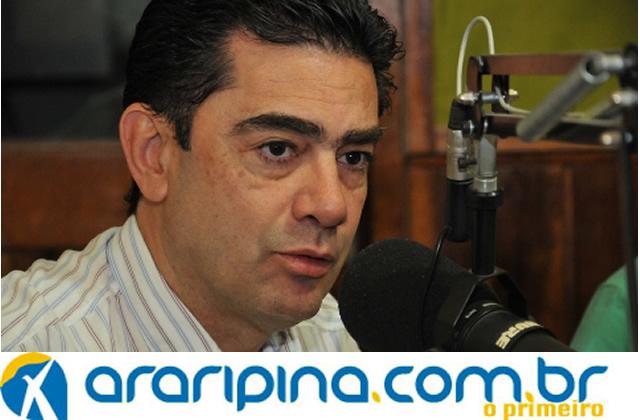 Raimundo Pimentel rebate os ataques sofridos