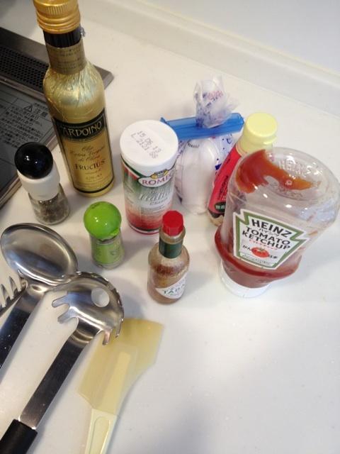 イタグレも、欲しがるパパ特製トマトたっぷりナポリタンの作り方。