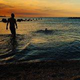 イタグレBuono!と私の夏休み、家から徒歩30秒で海です。