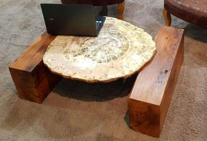 """Table """"Sumatra"""""""