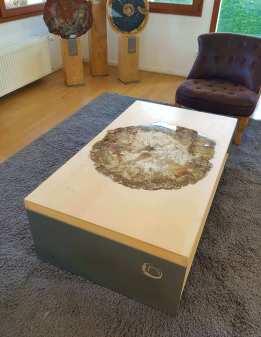"""Table """"Venus"""""""