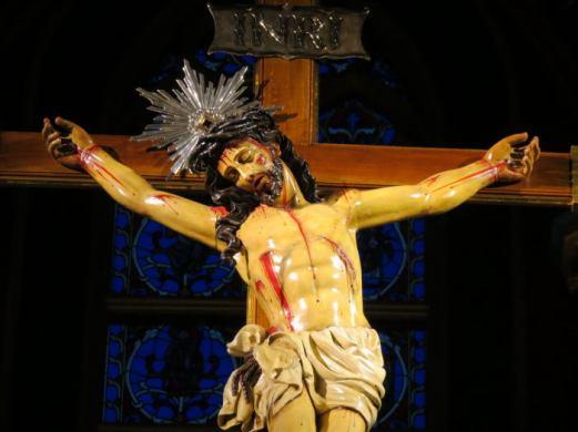 Crucifixo da Igreja de Nossa Senhora do Rosário de Fátima - Arautos do Evangelho