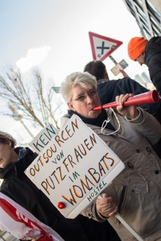 Stop outcourcing of cleaners - Wombat's City Hostel Berlin - Protest 19th March 2019