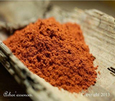 poudre bois de santal rouge