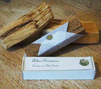 Encens naturel à base de palo santo et copal, fabriqués artisanalement au Pérou