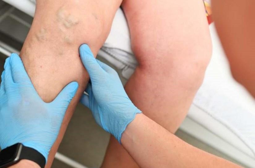 duo feuilles rouge