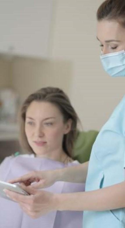 dessin roseaux libellules