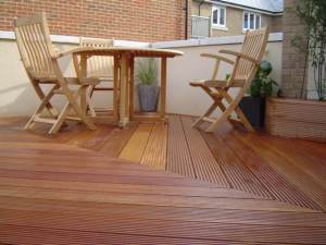 Roof terrace with Balau hardwood decking and planters