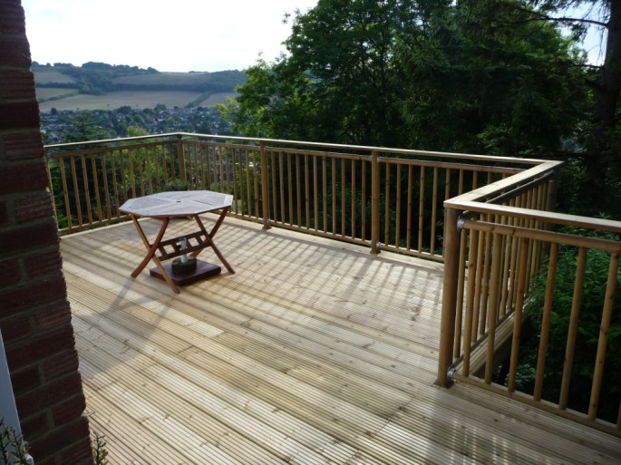 high level decking terrace by Arbworx