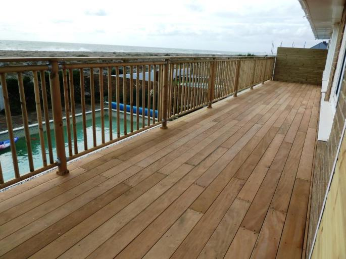 Seafront decking balcony in Garapa hardwood, Shoreham (5)