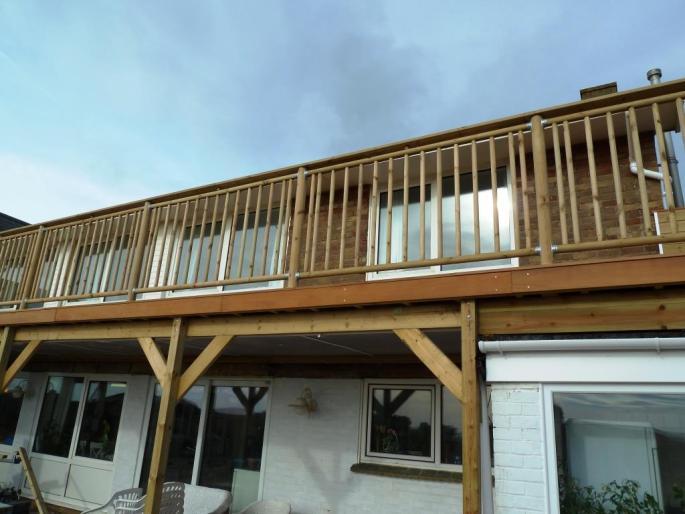 Seafront decking balcony in Garapa hardwood, Shoreham (4)