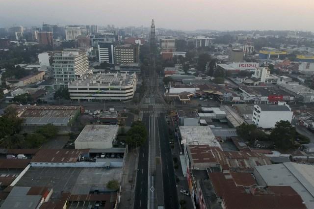 Vista de la Torre del Reformador el ciudad de Guatemala.