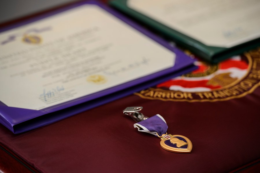USO to stop using Purple Heart image