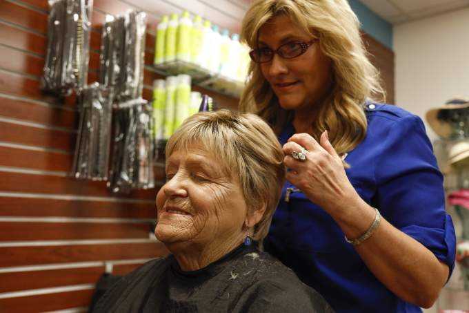cancer patients find help, inspiration at hair salon