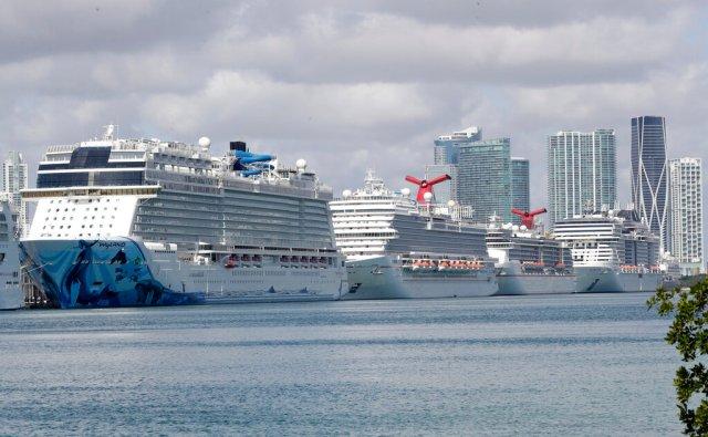 Gobernador de Florida no permite desembarque de cruceros