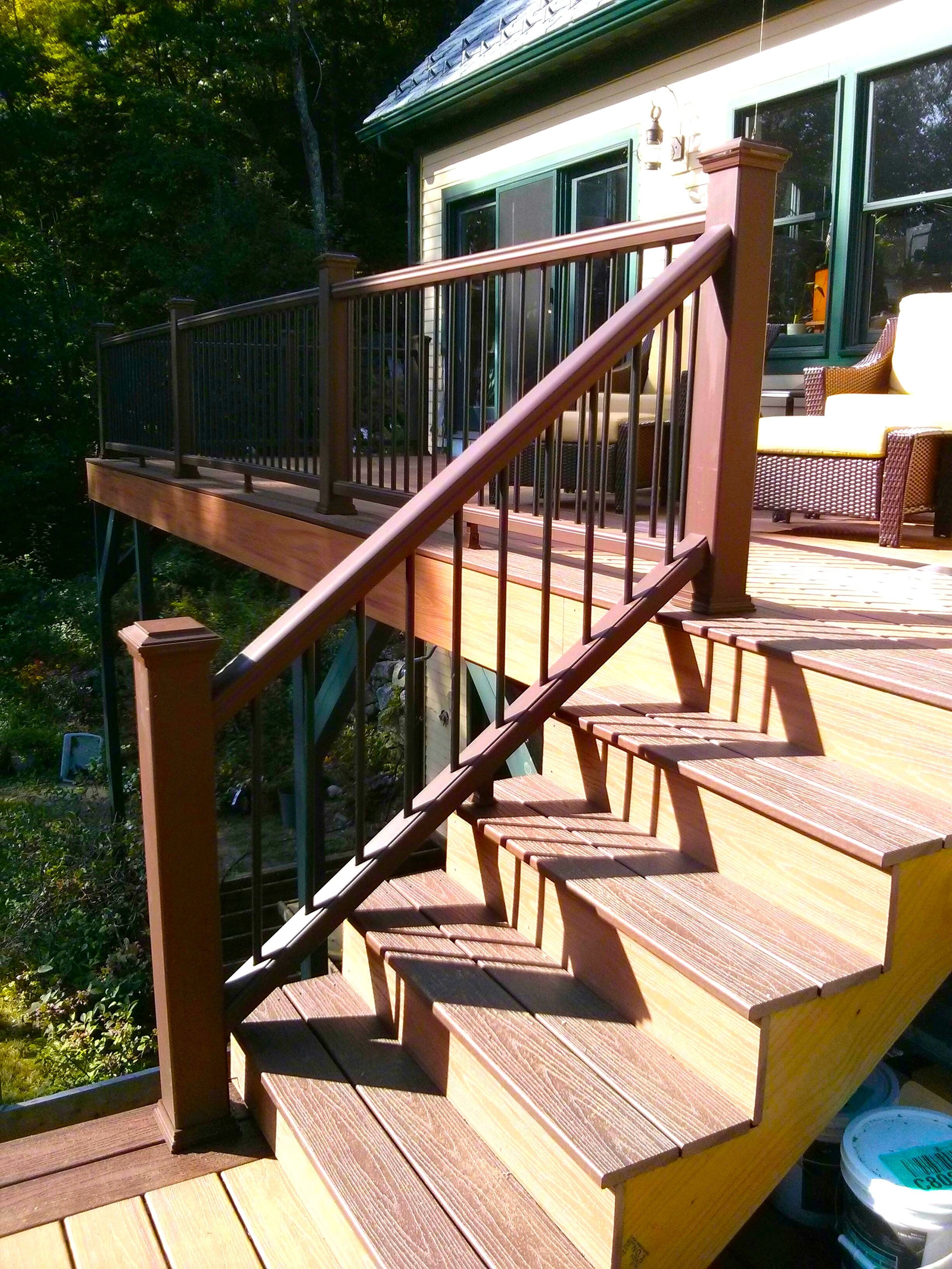 How To Build A Railing For Deck Stairs The Washington Post | Diy Handrails For Outdoor Steps | Easy | External Step | Metal | Entrance | Diy Stone