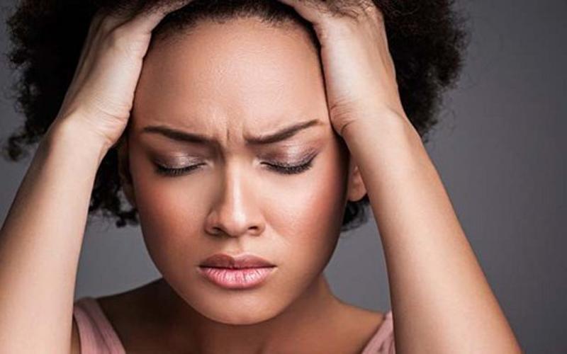 Ansiedade atinge quase 10% da população brasileira. Hipnose é opção de tratamento