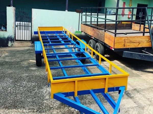 Carreta para transporte de aço ou tubo de pvc