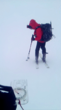 Ski touring in bad visibility