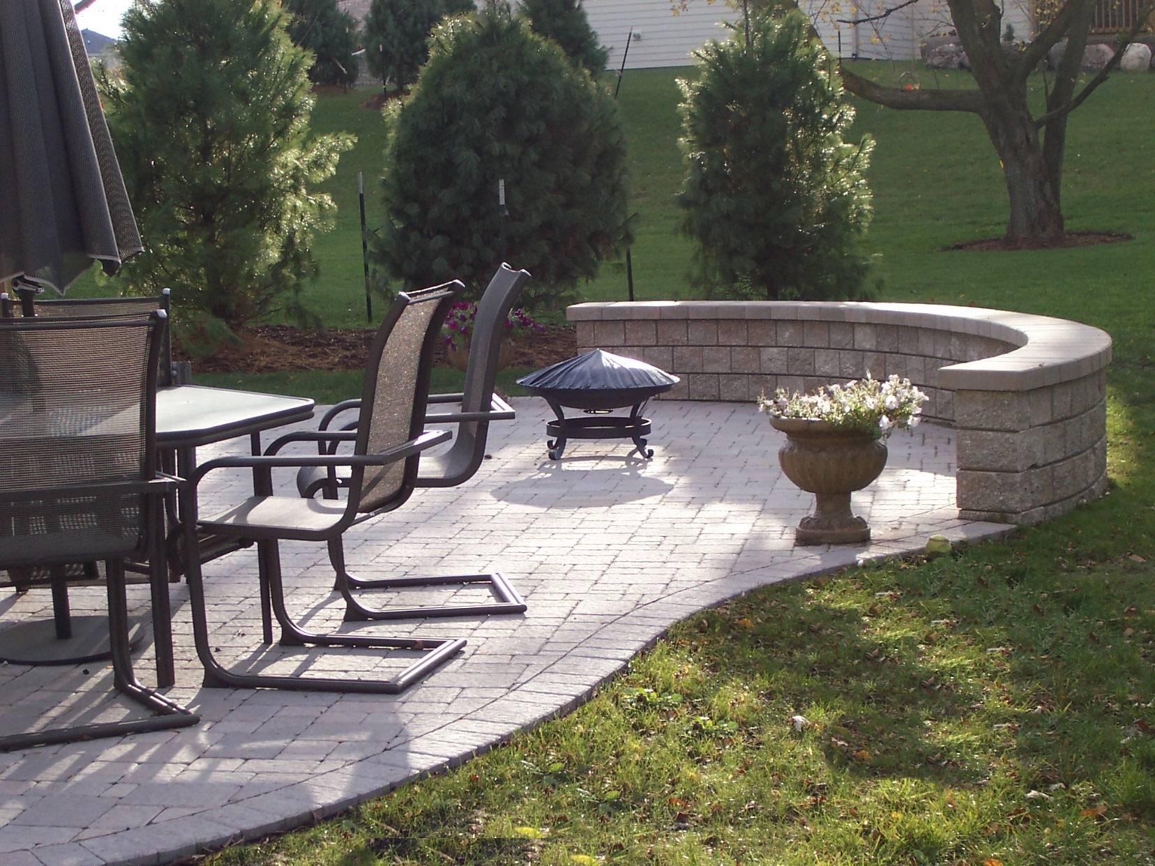 Columbus OH patio furniture considerations - Columbus ... on Patio Block Wall Ideas id=41153
