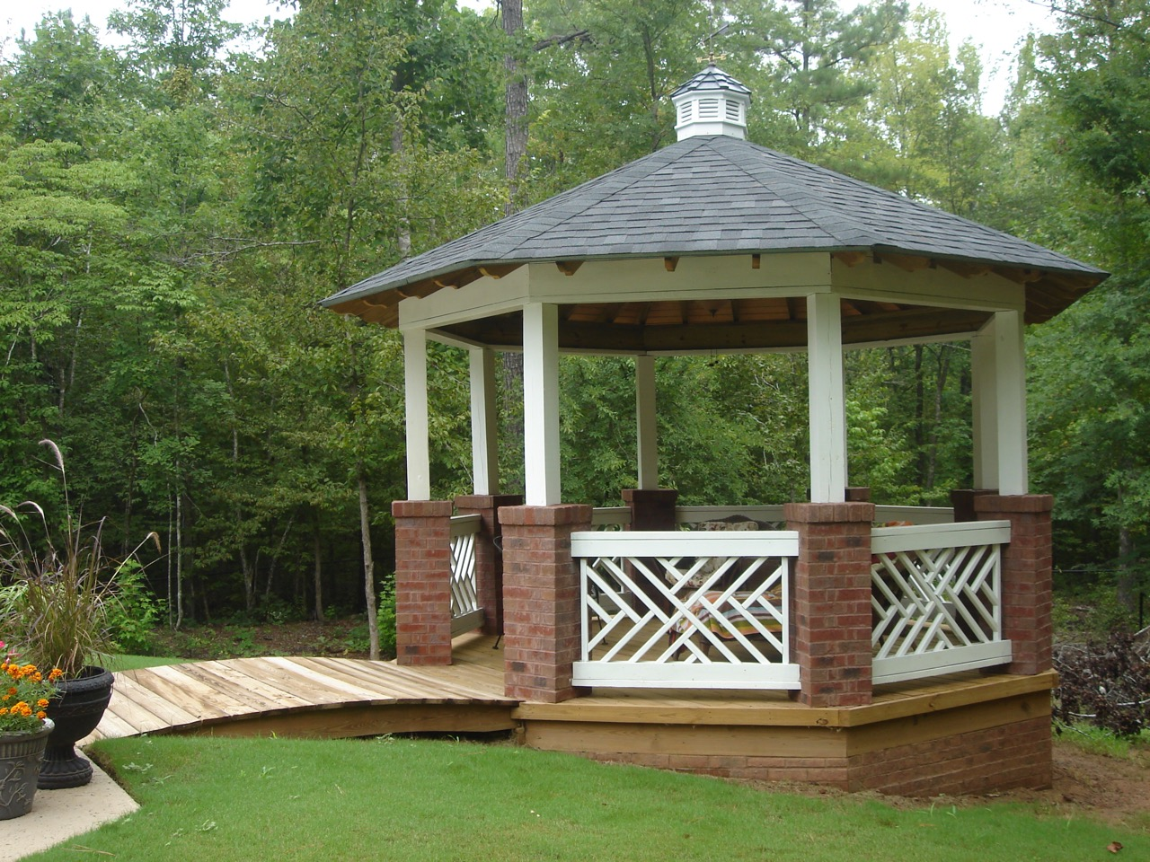 How To Add Backyard Shade by Archadeck | St. Louis decks ... on Open Backyard Ideas id=93111