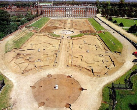 Hampton Court Palace and the Privy Garden as seen from the top of an extending ladder. The original bedding trenches have here been re-excavated. Note the original palace of Henry VIII to the left of the Wren building [Photo Credit: Northamptonshire Archaeology]