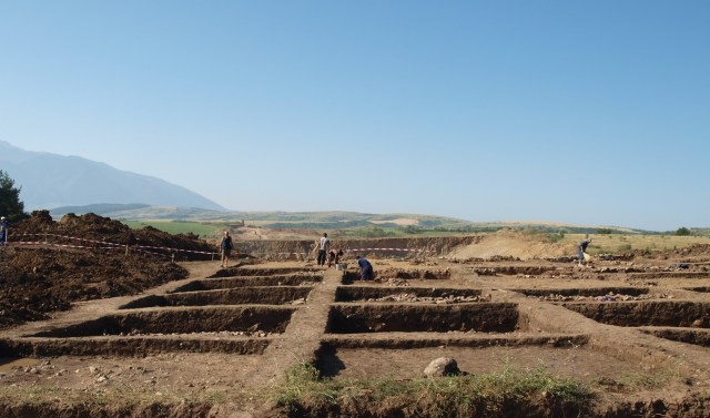 Rescue excavations near Mursalevo in Southwest Bulgaria have led to the discovery of an Early Neolithic settlement. Photo: Bulgaria's Road Infrastructure Agency