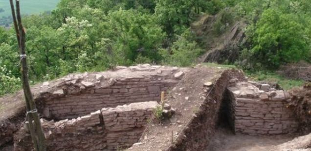 Archaeologists Find Previously Unexplored Fortress in Bulgaria's Banya Was Destroyed by Huns, Crusaders