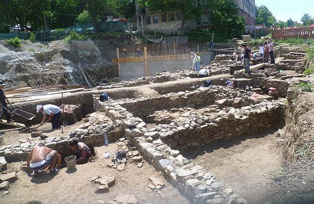 An Ancient Roman villa has been discovered in Bulgaria's Sapareva Banya during the construction of a swimming pool on a privately owned property. Photo: Viara News