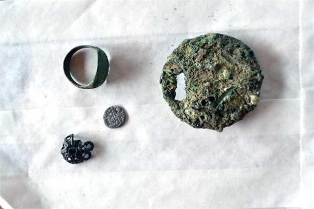 Other artifacts discovered in the first 2 days of the 2015 summer excavations of the prehistoric, ancient, and medieval rock city of Perperikon in Southern Bulgaria. Photo: 24 Chasa daily