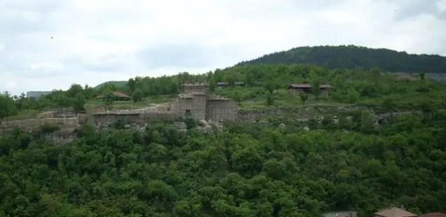 Bulgaria to Restore Trapesitsa Hill Fortress in Medieval Capital Veliko Tarnovo with Funding from Azerbaijan despite Criticism