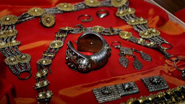 Items from the Urvich Treasure which was dug up illegally at the Urvich Fortress, and smuggled to the UK where it was saved by John Burnip, an Enlgish history teacher, in 1979. Photo: Standart Daily