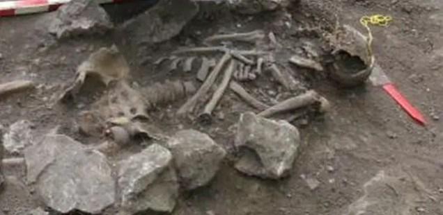 Bulgarian Archaeologists Find Tall Medieval Man's Skeleton in Vratitsa (Gradishte) Fortress near Vratsa