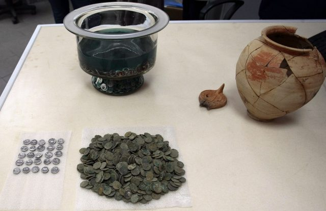 The Ancient Roman silver coin treasure from Serdica was found in a ceramic vessel with a lid. Photo: BGNES