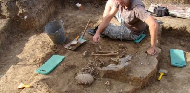 Skeletons Found in Chalcolithic Necropolis in Bulgaria's Kamenovo Belonged to Women and Children of 'Mediterranean Anthropological Type'