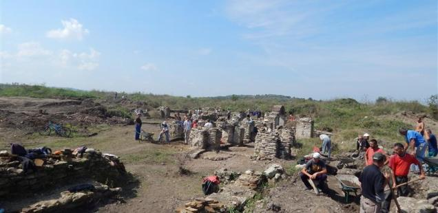 Archaeologists Find Building's Portico, Governor's Residence Hypocaust in Ancient Roman Colony Ratiaria near Bulgaria's Archar