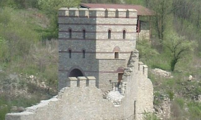 A view of a restored fortress tower which is part of a past small-scale archaeological restoration in the Trapesitsa Hill Fortress in Bulgaria's Veliko Tarnovo. Photo: Top Novini