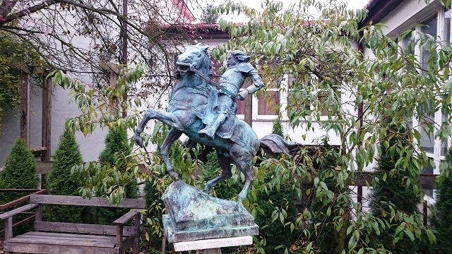 The future monument of Polish and Hungarian King Vladislav (Wladyslaw) III Varnenchik to be erected in Bulgaria's Varna, as seen in the studio of Polish sculptor Marian Konieczny in Krakow, Poland. Photo: Ministry of Culture