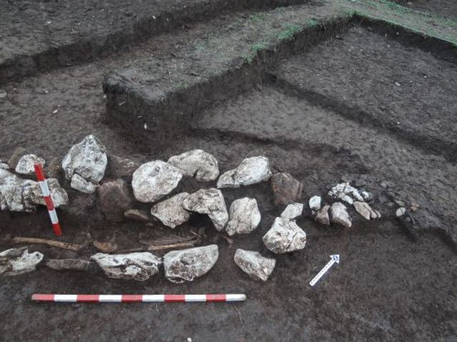 A skeleton discovered in the newly found Ancient Thracian necropolis in Western Bulgaria. Photo: Lead archaeologist Borislav Borislavov/Offnews
