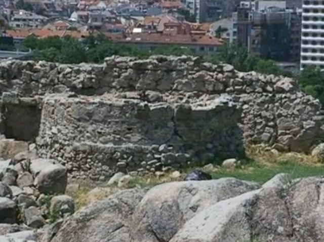 Visible ruins of the prehistoric, ancient, and medieval Nebet Tepe Fortress in Bulgaria's Plovdiv. Photos: TV grabs form BNT 2