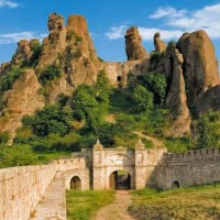 Bulgaria's Magura Cave, Belogradchik Fortress Attracted 90,000 Tourists in 2015