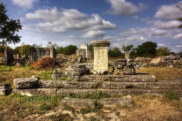 Part of the ruins of the Ancient Roman city of Nicopolis ad Istrum near Bulgaria's Nikyup. Photo: Klearchos Kapoutsis from Paleo Faliro, Greece/ Wikipedia