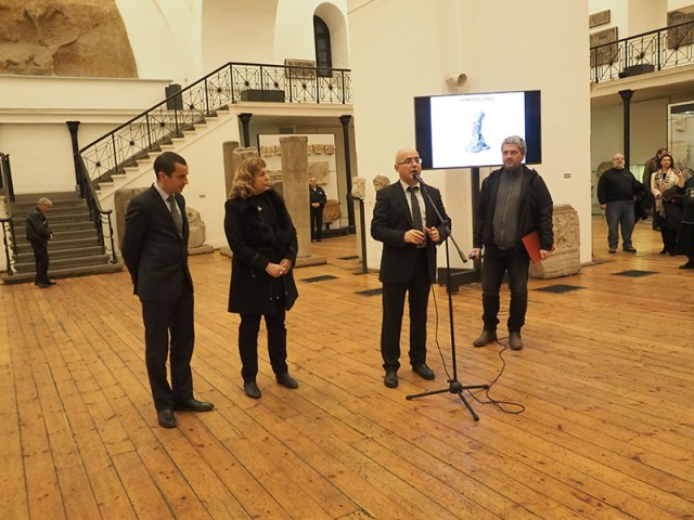 "Assoc. Prof. Lyudmil Vagalinski (center) at the opening of the ""Bulgarian Archaeology"" 2015 exhibition together with fellow archaeologists: Boni Petrunova, Deputy Minister of Culture (second on the left), and Todor Chobanov, Sofia Deputy Mayor (first on the left). Photo: National Institute and Museum of Archaeology"