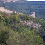 Bulgaria's Veliko Tarnovo Cleans Up Illegal Dumpsite at Tsarevets Hill Fortress