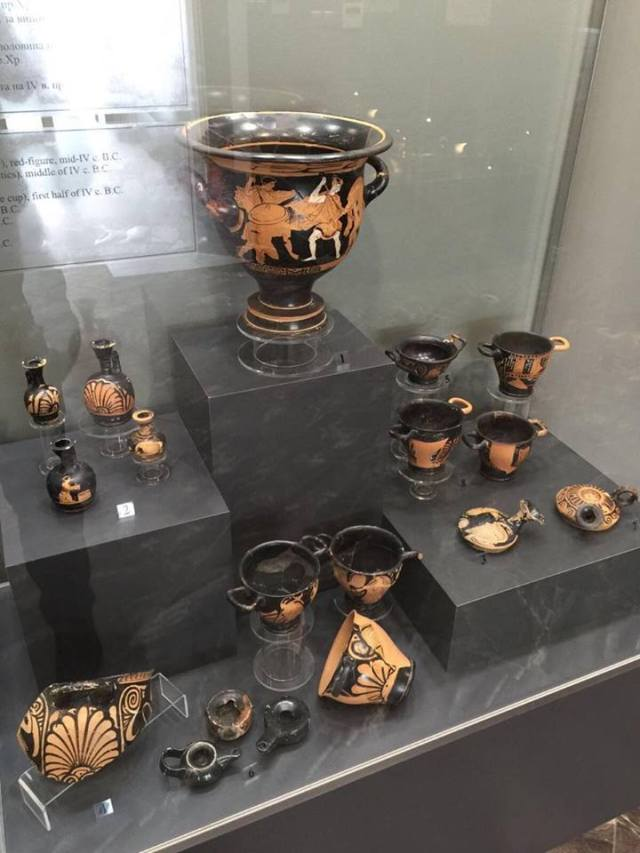 Vessels and other artifacts found in Deultum as displayed in its brand new museum. Photos: Bulgarian Prime Minister's Facebook Page