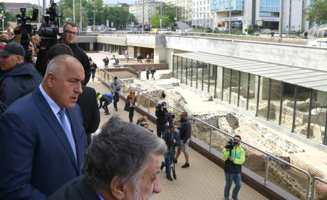 Borisov and Rashidov viewing the open-air section of the archaeological restorations under the Knyaginya Maria Lousa Blvd which has caused the most public criticism because the new materials used make it appear unauthentic. Photo: Bulgarian Prime Minister's Facebook Page